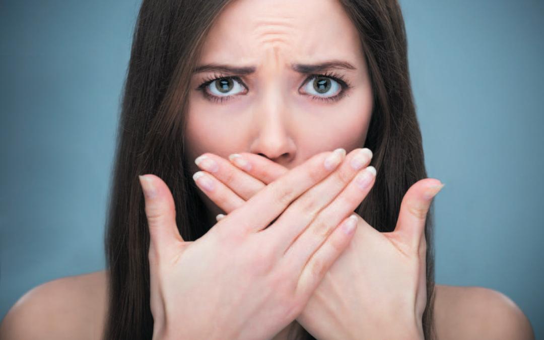 Mau hálito: a culpa nem sempre é do estômago – Matéria da Revista Kappa com a Dra. Jaqueline Ignácio